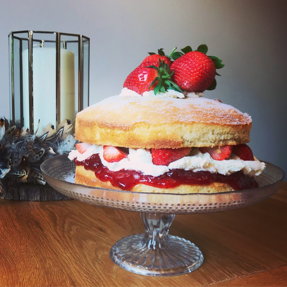 Classic Victoria sponge with strawberries and cream