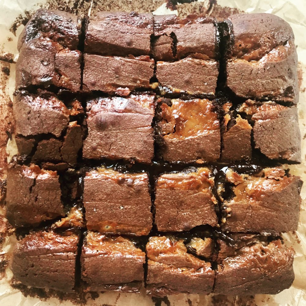 Gooey salted caramel brownies